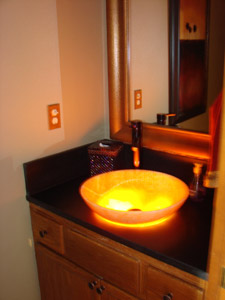 Image of an onyx sink with underlight